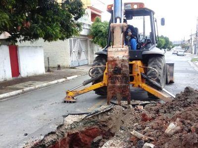 Proguaru realiza manutenção em GAP na rua Guapé