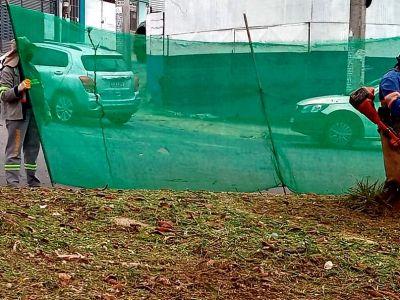 Serviço de roçagem mecânica é realizado em praça no Jardim Presidente Dutra